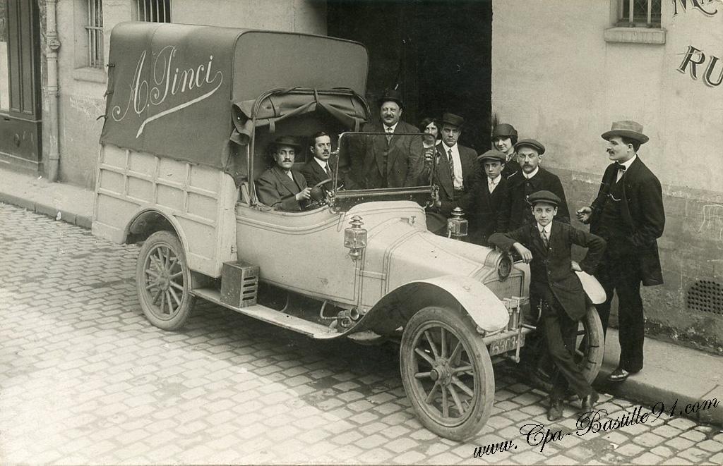 cartes postales photos de tr s belles voitures anciennes cartes postales anciennes. Black Bedroom Furniture Sets. Home Design Ideas