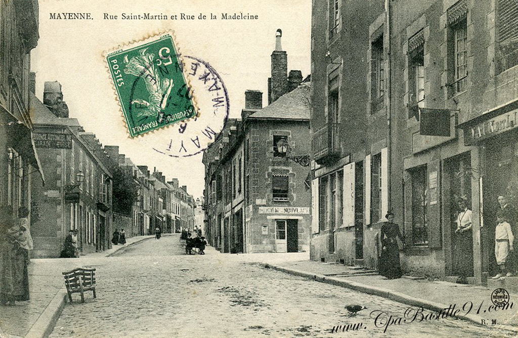 Carte postale Ancienne de Mayenne - Rue Saint Martin   Cartes Postales Anciennes