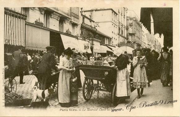 Paris Vecu-Le Marche dans la rue -avec petit chien - Cliquez sur la carte pour l'agrandir et en voir tous les détails