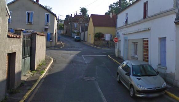 Maintenon-la-rue-du-faubourg-Larue-100-ans-aprés