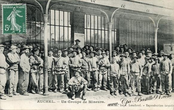 62-Auchel-un groupe de Mineurs - cliquez sur l'image pour l'agrandir
