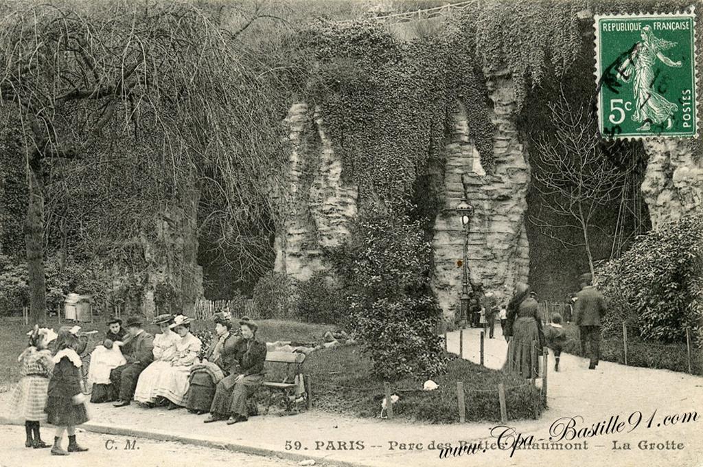 Carte Buttes Chaumont.Carte Postale Du Parc De Buttes Chaumont La Grotte Cartes