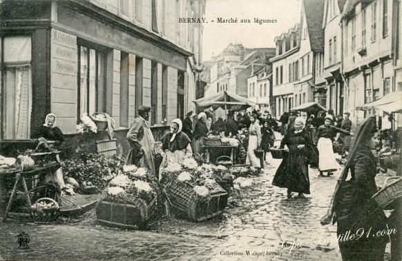 carte postale ancienne de Bernay-Marche aux légumes - Cliquez sur la carte pour l'agrandir et en voir tous les détails