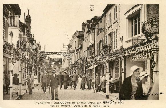 - Auxerre-Concours international de musique en 1934