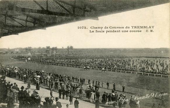 94-Champigny-Champ de courses du Tremblay-la foule pendant une course - Cliquez sur la carte pour l'agrandir et en voir tous les détails