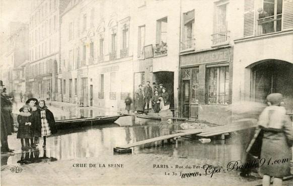Paris - Crue de Seine- le 30 janvier janvier 1910 - Rue du fer à Moulin
