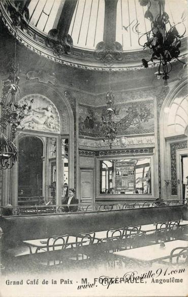 16-Angouleme-Grand cafe de la Paix-M-Fortepaule