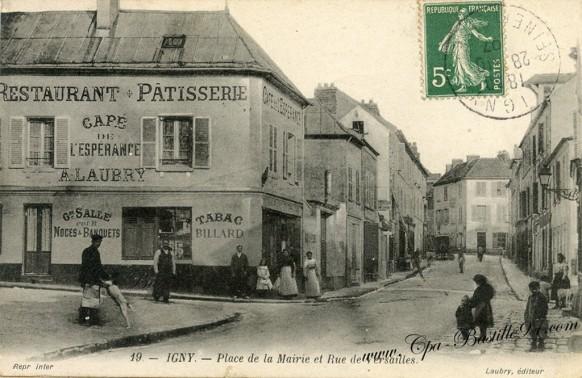 Igny-Place de la Mairie et rue de versailles