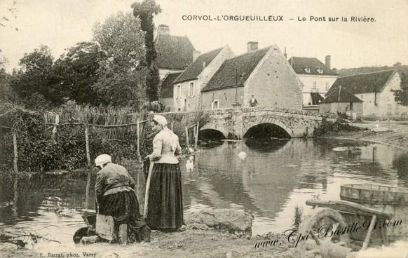 Corvol-l'orgueuilleux-le pont sur la rivière -
