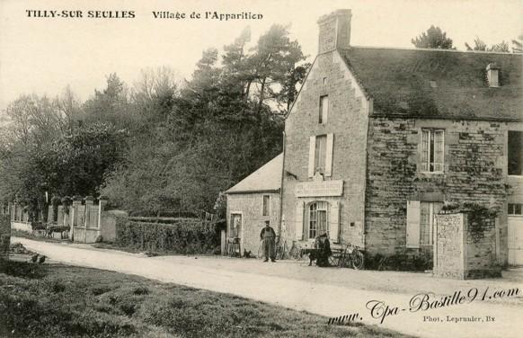 Tilly-sur-Seulles-Village-de-lapparition
