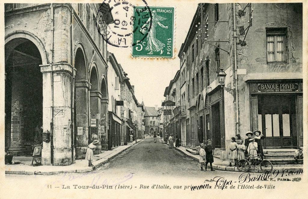 La tour du pin rue d 39 italie vue prise de la place de l for Piscine la tour du pin