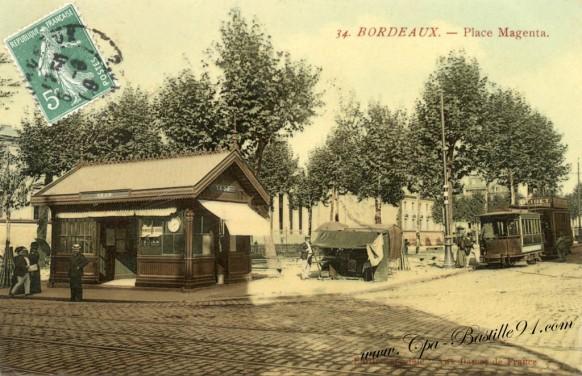 Carte postale ancienne-Bordeaux-Place Magenta-Le Tramway