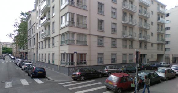 les anciens ateliers Otis-Pifre  au 28 rue pere Chevrier a Lyon