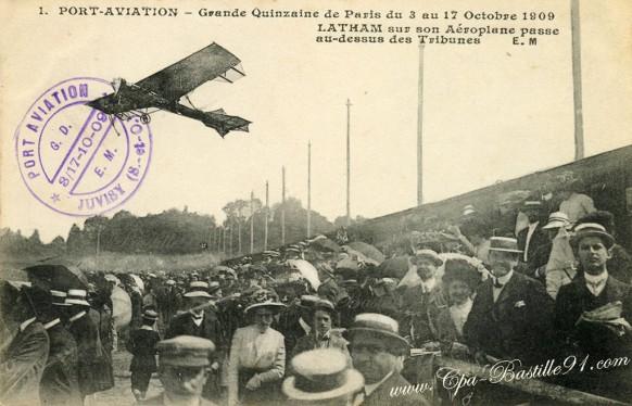 Juvisy - Latham sur son Aeroplane