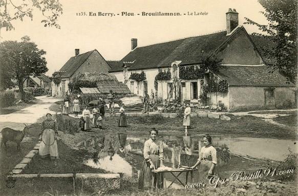 En Berry-Plou-Brouillamnon-Le lavoir