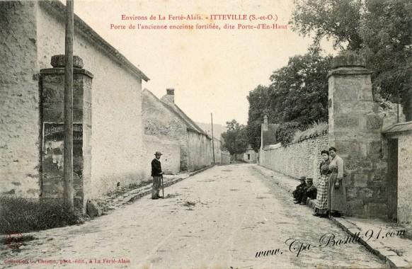 Itteville-Porte de-l'ancienne enceinte fortifiée-dite Porte-d'en-Haut