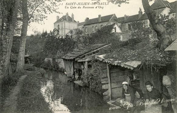 Saint-Julien du Sault-lavoir sur un ruisseau d'Ocq