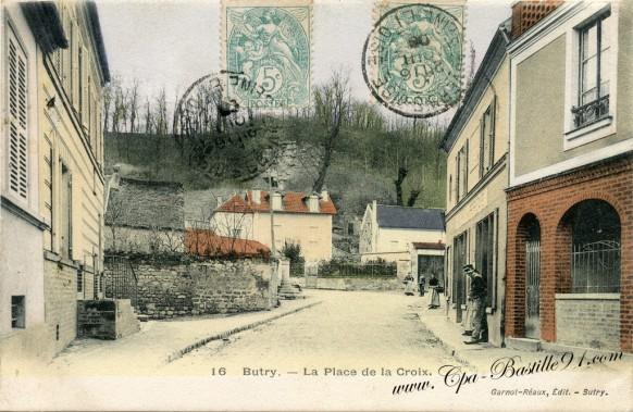 Butry-sur-Oise-La-place-de-la-Croix