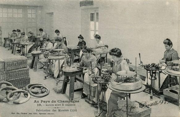 Au-Pays du Champagne - Moët & Chandon - Fabrication des Muselets