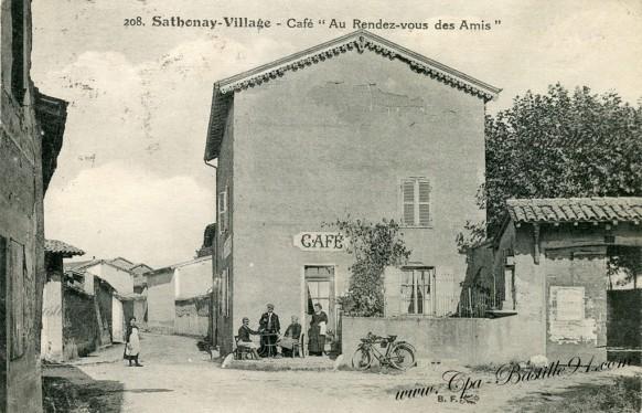 Sathonay-Village-Café-au-rendez-vous-des-Amis