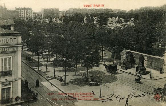 Tout-Paris-Panorama-du-cimetiere-du-pere-lachaise