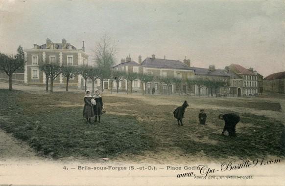 Briis-sous-Forge-Place-Godin