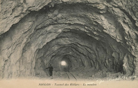 -Niolon-Tunnel-des-Riflard-Le-Moulon