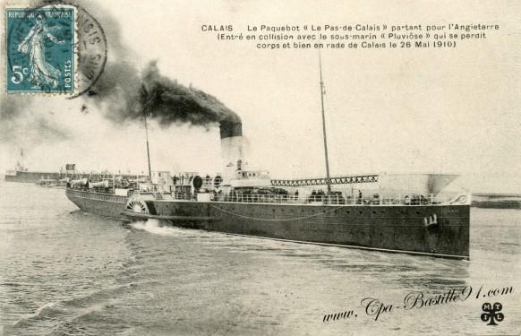 Le-Paquebot-entre-en-collision-avec-le-sous-marin-le-Pluviose.