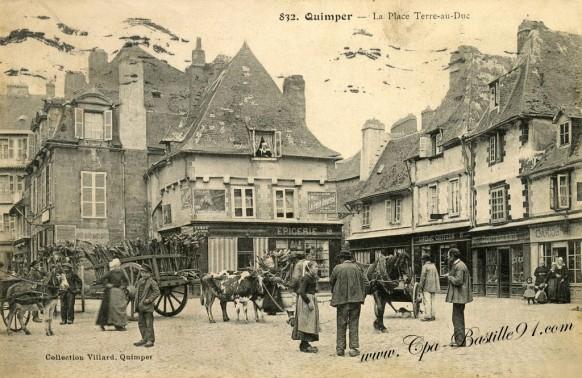 Guimper-La-Place-Terre-au-Duc
