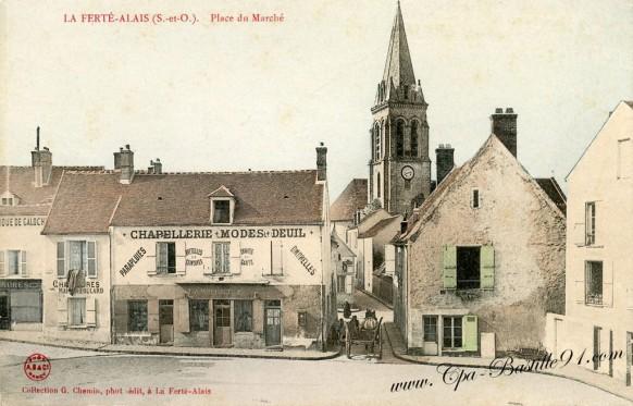 La-Ferté-Alais-Place-du-Marché.