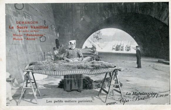 Carte-postale-Ancienne-Les petits Métiers parisiens-La Matelassiére