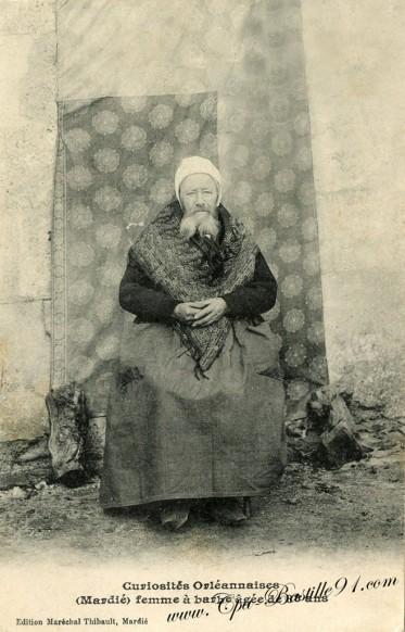 Femme-à-barbe-agée-de-88-ans.