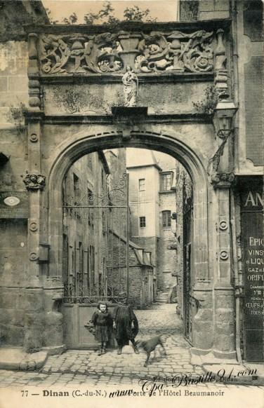 Dinan-La-porte-de-lhotel-Beamanoir