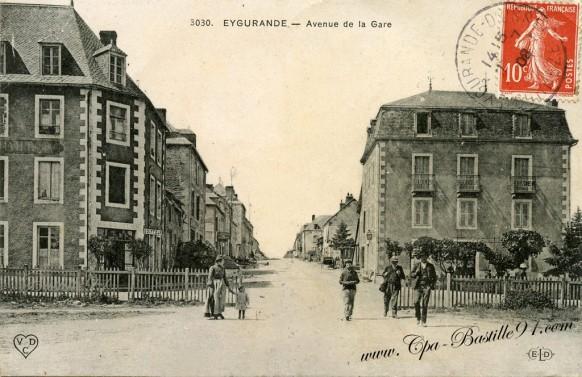Carte-Postale-Ancienne-Eygurande-Avenue de la Gare