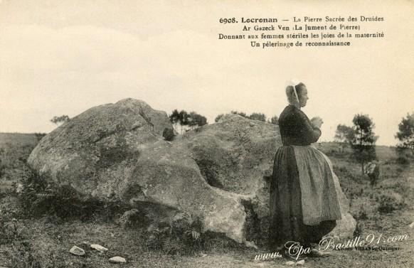 Locronan-La-Pierre-sacrée-des-Druides
