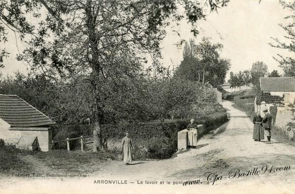 Arronville-Le-lavoir-et-le-pont-dhéréville