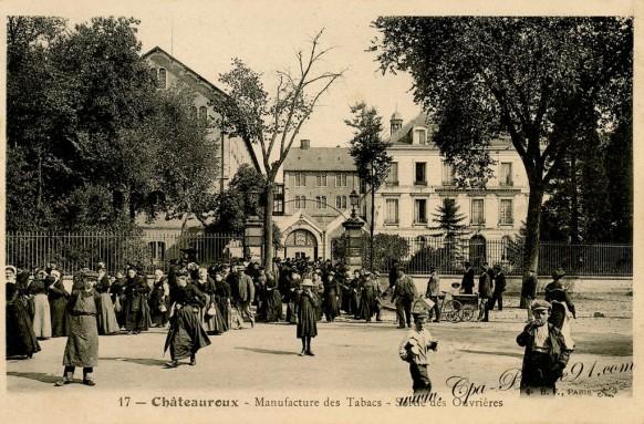 Châteauroux - Manufacture des tabacs - Sortie des Ouvrières