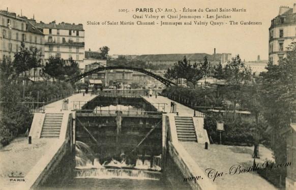 Paris - écluse du canal Saint-Martin - Quai Valmy et Quai Jemmapes