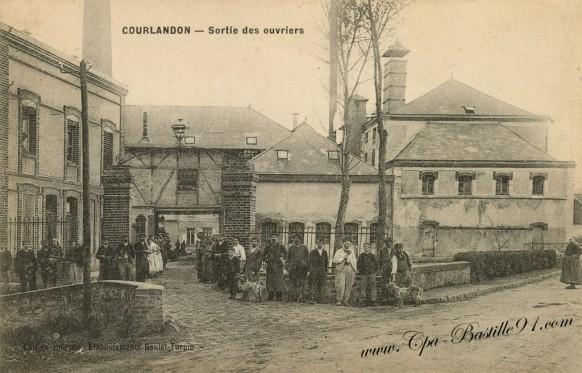 Carte-Postale-Ancienne-Courlandon-sortie-des-Ouvriers