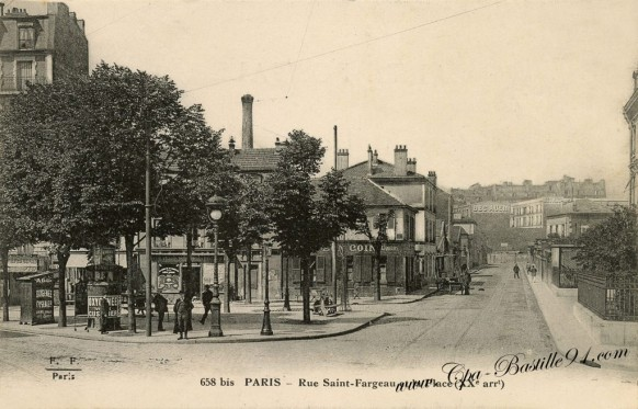 Paris-rue-saint-Fargeau-et-la-Place.