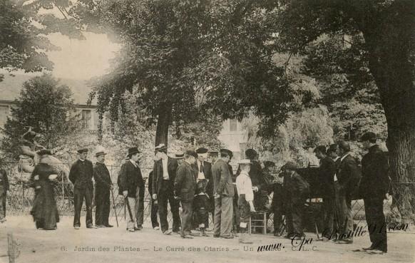 Paris-Jardins-des-plantes-le-carré-des-Otaries-Un-artiste
