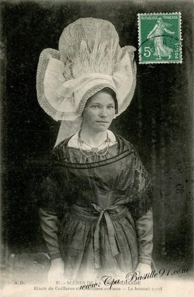 Scènes-de-la-vie-Normande-Etude-de-coiffures-et-costumes-anciens-Le-Bonnet-rond
