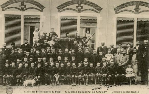 Caisse-des-ecoles-laiques-de-dijon-Colonie-scolaire-de-Crépey-groupe-densemble
