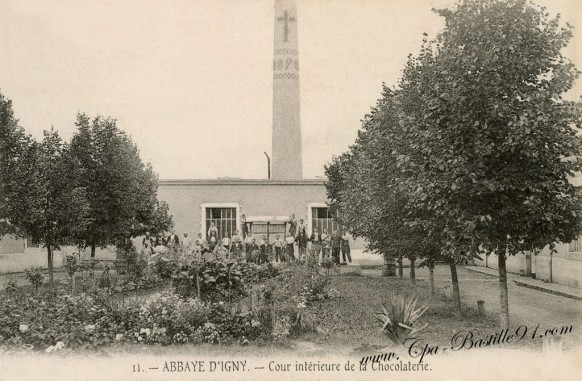 Abbaye-dIgny-cour-interieure-de-la-Chocolaterie