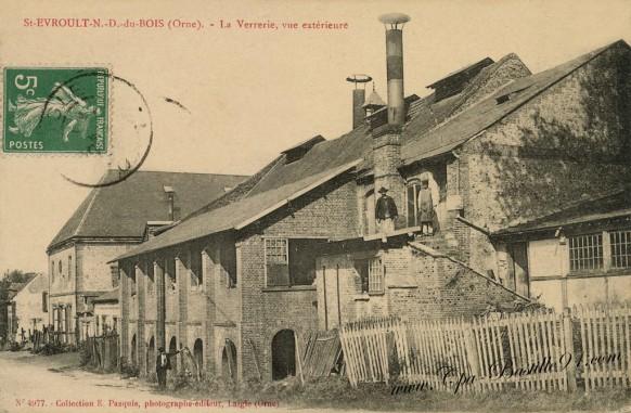 St-Evroult-notre-Dame-du-Bois-La-verrerie-vue-exterieure
