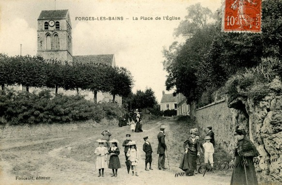 Forges-les-Bains-La-Place-de-léglise
