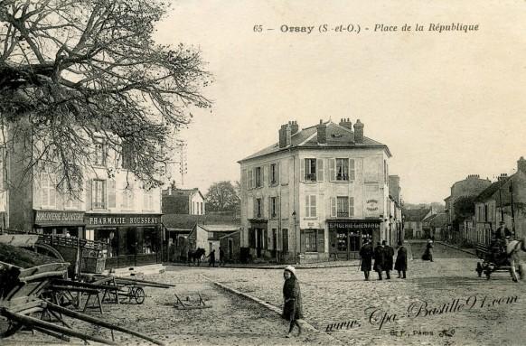 Orsay-Place-de-la-République