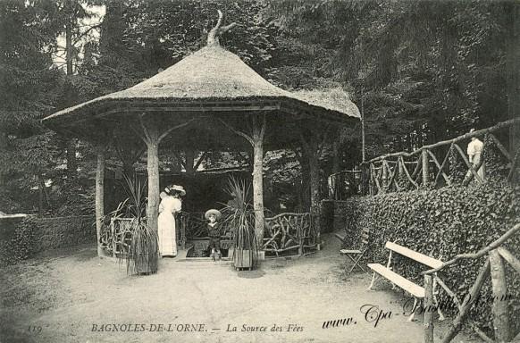 Cartes Postales Anciennes-Bagnoles-de-l'Orne-La Source des Fées