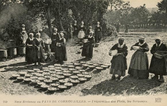 Noce Bretonne au Pays de Cornouailles - Préparation des plats - Les servantes