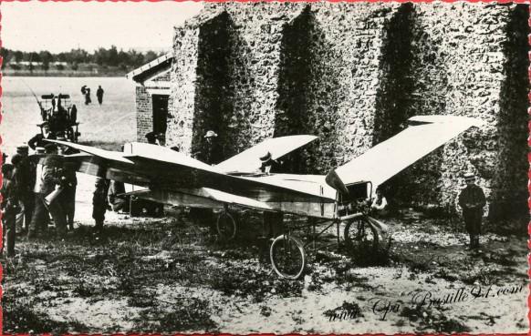 Histoire de l'aviation - Juillet 1907- Bleriot exécute de beaux vols sur son appareil - La Libellule